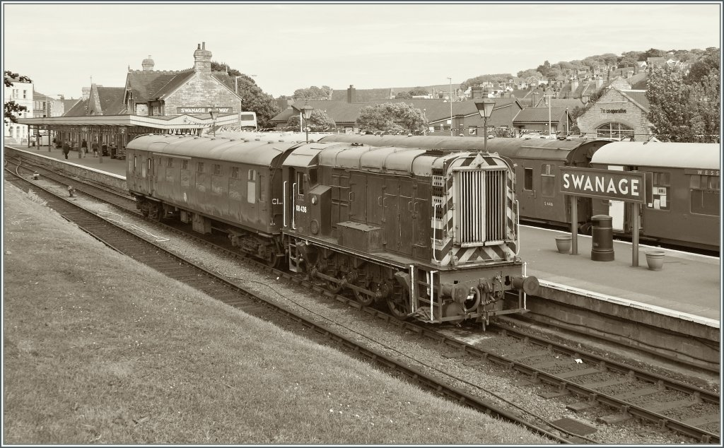 Die 08 436 rangiert in Swanage. 
