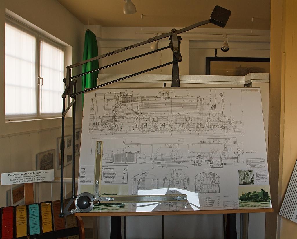 so hnlich sah fr her ein arbeitsplatz eines dampflok konstrukteurs der fa jung aus. Black Bedroom Furniture Sets. Home Design Ideas