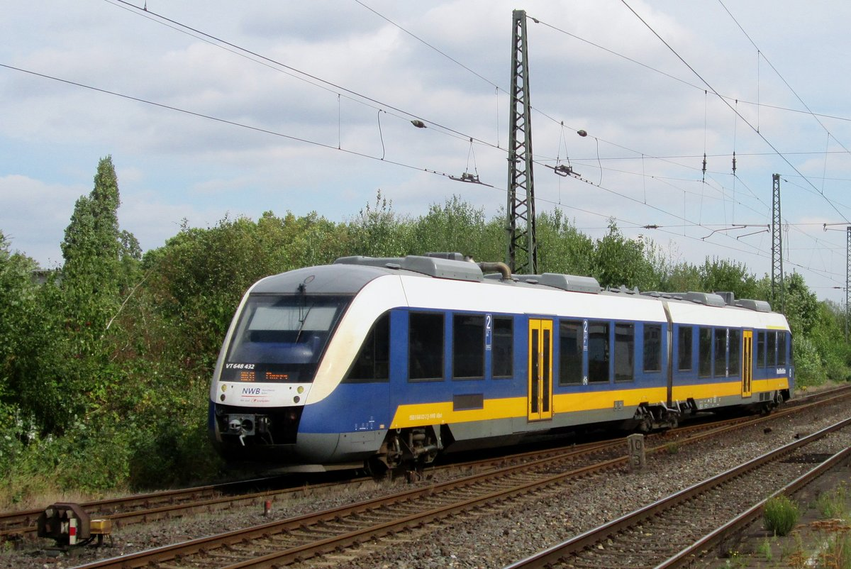 Am 16 September 2016 treft 648 432 in Rheinhausen ein.