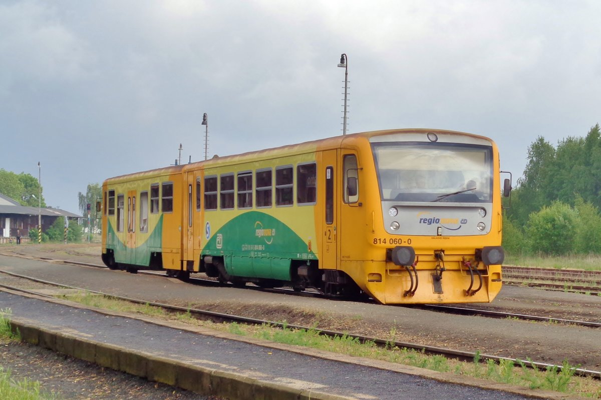 CD 814 060 hält am 16 Mai 2018 in Kladno.