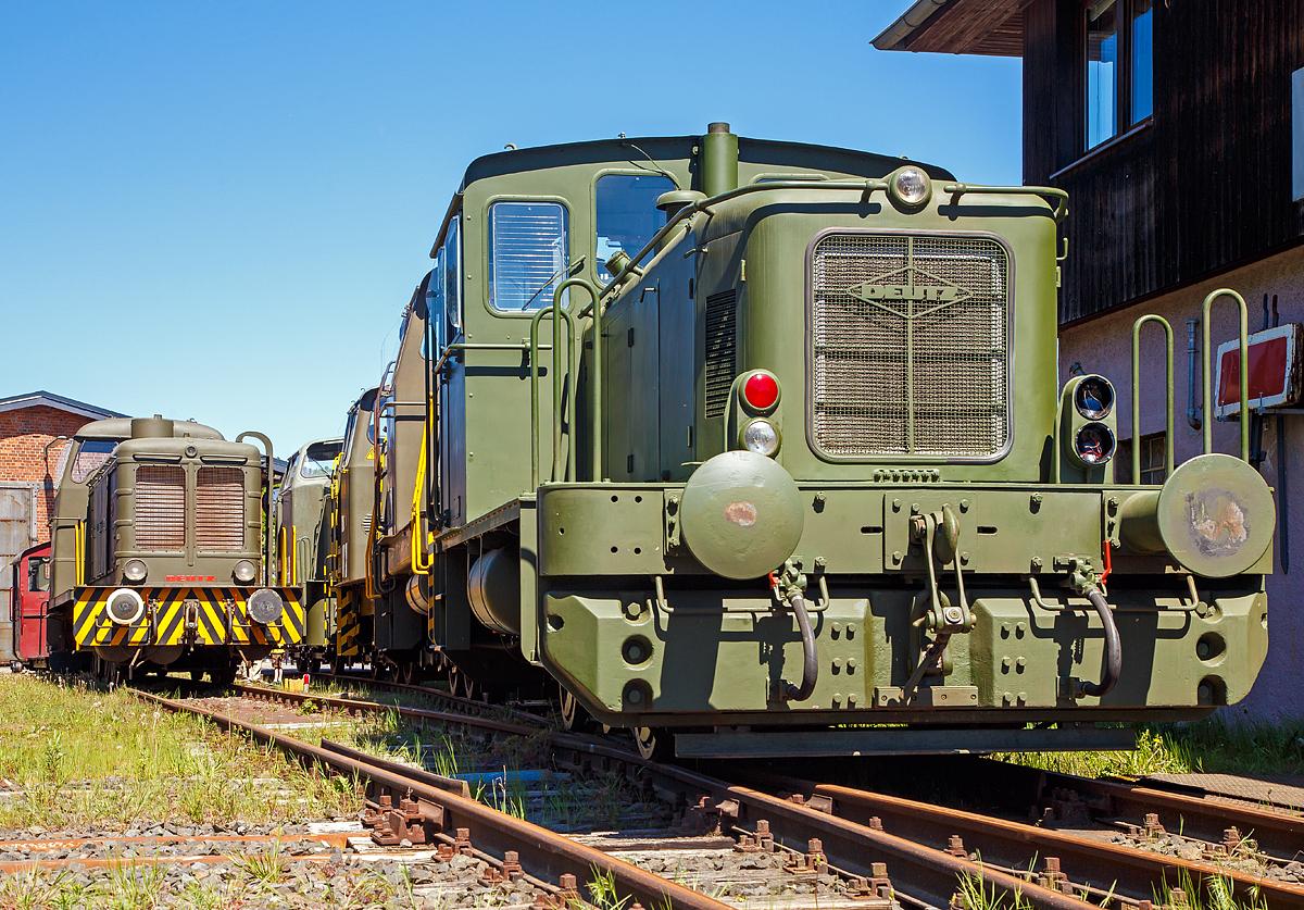 die deutz 57513 eine deutz ks 230 b diesellokomotive ehemals der bundeswehr am. Black Bedroom Furniture Sets. Home Design Ideas