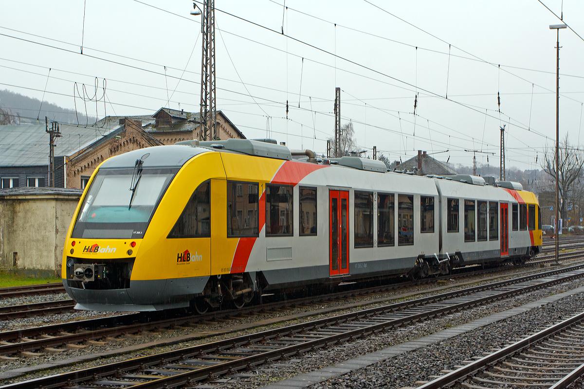 Zwei gekoppelte 5-teilige Stadler FLIRT der HLB (Hessischen ...
