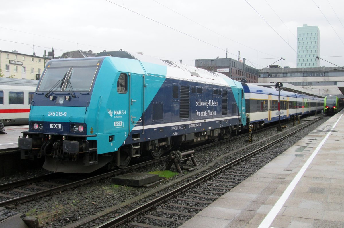 NOB 245 215 steht am 27 April 2016 in Hamburg-Altona.