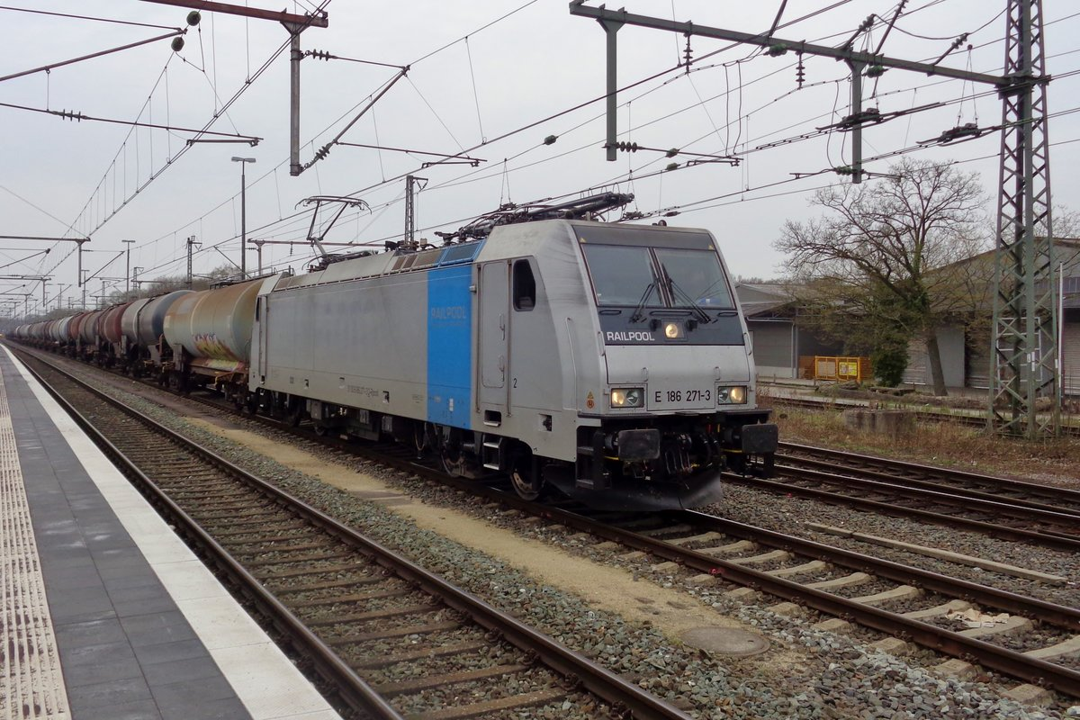 Railpool, ex-LOTOS 186 271 verlässt am 9 April 2018 Bad Bentheim.