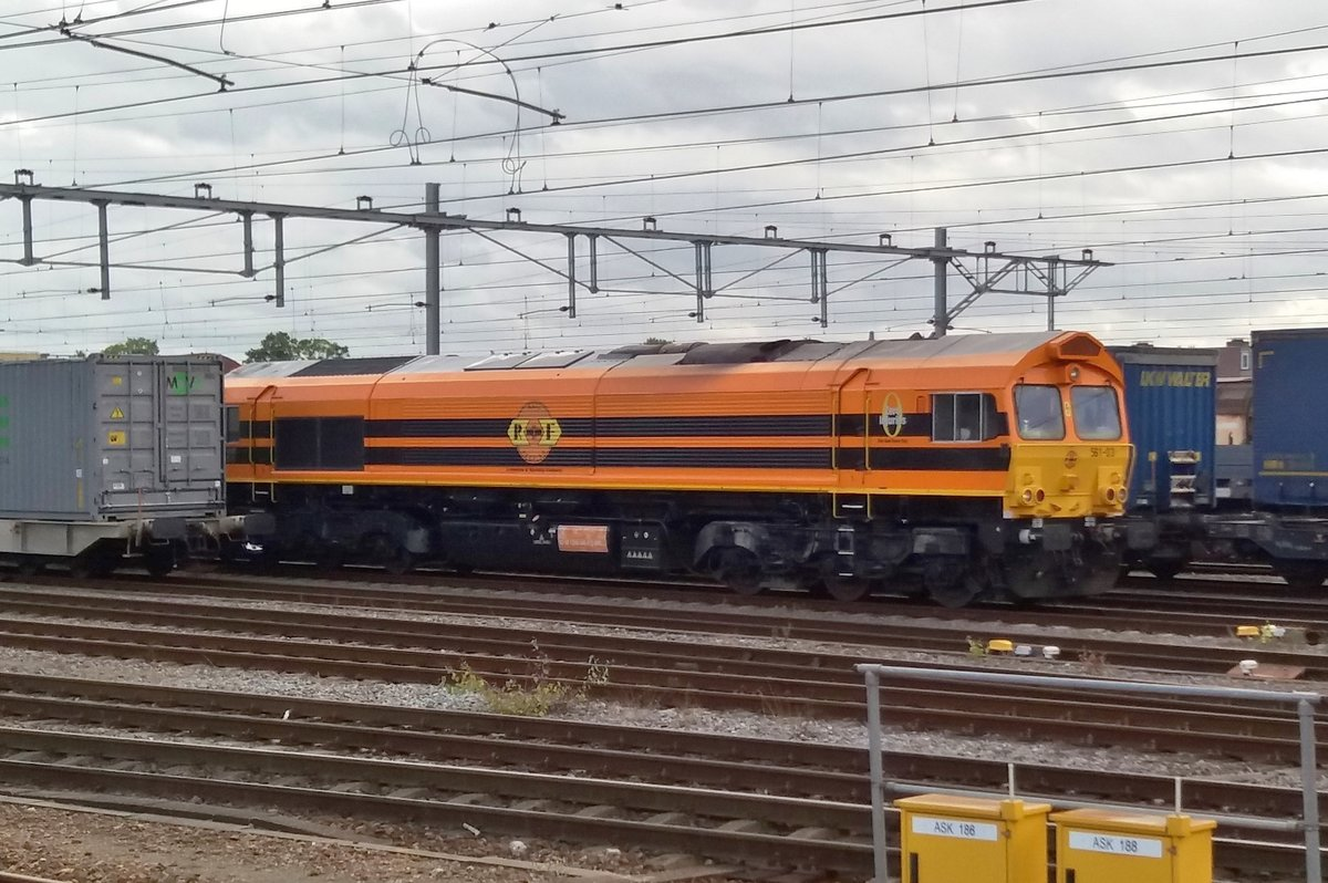 Regen und RF 563-01/266 040 waren am 11.September 2017 in Venlo.