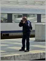 luttich-liege/175099/im-schoenen-bahnhof-lige-guillemins-scheint Im schönen Bahnhof Liège Guillemins scheint Stefan genügend Motive zu finden. 30.03.2009 (Jeanny)