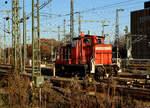 br-361-363-365-ex-261-db-v-60-schwere-bauart/530663/db-impressionen-des-bahnhofs-stuttgart-hbf DB: Impressionen des Bahnhofs Stuttgart Hbf vom 3. Dezember 2016. Foto: Walter Ruetsch