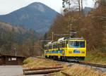 wendelstein-zahnradbahn/533663/der-doppeltriebwagen-beh-48-12-otto  Der Doppeltriebwagen Beh 4/8  12 'Otto von Steinbeis' der Wendelstein-Zahnradbahn erreicht am 28.12.2016 die Talstation Brannenburg.   Der Doppeltriebwagen wurde 1990 von SLM und Siemens unter der Fabriknummer 5455 gebaut.   Die Wendelstein-Zahnradbahn überwindet auf 7,66 km Länge  einen Höhenunterschied von 1.217,27 Metern, die Maximale Neigung beträgt dabei 237 ‰. Streckenlänge mit Zahnstange (Zahnstangensystem Strub) ist 6,15 km lang.