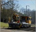 ROBEL IIF/184757/robel-iif-706-durchfaehrt-am-09032012 ROBEL IIF 706 durchfährt am 09.03.2012 das Alzette Tal zwischen Cruchten und Colmar-Berg. Dieses Fahrzeug wurde 2010 unter der Fabriknummer 54.22-0077 von ROBEL gebaut und am 12.11.2010 an die CFL ausgeliefert. Es ist ebenfalls mit einem spezifischen Oberbaukran PR220C der Firma Palfinger ausgestattet. (Jeanny)