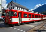 FO Furka-Oberalp-Bahn/587318/der-mgb-12-klasse-steuerwagen-abt  Der MGB 1./2. Klasse Steuerwagen ABt 4158 am 16.09.2017 bei der Einfahrt in Brig.   Der Steuerwagen wurde 1980 von SIG (mecha.) und BBC (elektr.) gebaut.   Technische Daten:  Spurweite: 1.000 mm  Länge über Puffer 17.910 mm  Eigengewicht: 15,8 t  Sitzplätze: 24 in der 1. und 15 in der 2. Klasse  Zul. Höchstgeschwindigkeit: 90 km/h