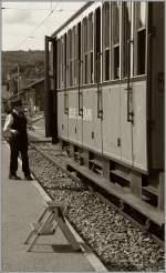 b-c-blonay-chamby/180423/waehrend-man-in-leukerbad-vergeblich-auf Während man in Leukerbad vergeblich auf den Zug wartet, wird man in Blonay freundlichst eingeladen mit einem Zug der LLB zu reisen... 12. Juni 2011