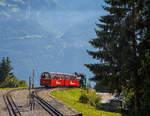 BRB Brienz Rothornbahn/532873/brienz-rothornbahn-die-heizoel-befeuerte-zahnraddampflok  Brienz Rothornbahn:  Die Heizöl befeuerte Zahnraddampflok BRB 15 - Stadt Kanaya (Japan) kommt am 24.09.2016 gerade mit ihrem Zug von Brienz auf der Mittelstation Planalp (1.341 m ü. M.) an.