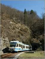 centovalli-bahn-ssif-und-fart/177037/ein-fart-regionalzug-von-locarno-nach Ein FART Regionalzug von Locarno nach Camedo zwischen Intragna und Palagnedra am 24. März 2011