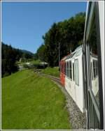 TMR Transports de Martigny et Regions/176936/von-martigny-ch-fuehrt-die-grenzueberschreitende Von Martigny (CH) führt die grenzüberschreitende Strecke des Mont-Blanc Express nach Saint-Gervais-Le Fayet (F). Diese Strecke hat in der Schweiz eine Länge von 22 km und in Frankreich von 34 km. Der Streckenabschnitt Salvan - Les Marécottes ist mit einer Oberleitung versehen und der BDeh 4/8 Triebzug (SNCF Z 800) ist mit Zahnrad ausgestattet und kann deshalb die Steigung von 9 % auf der Schweizer Seite bewältigen. 03.08.2008 (Hans)