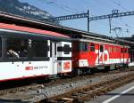 zb-zentralbahn/174788/gepaecktriebwagen-de-110-022-1-der-zb Gepäcktriebwagen De 110 022-1 der ZB (ehem. LSE Luzern-Stans-Engelberg-Bahn) mit Regionalzug am 02.10.2011 im Bahnhof Interlaken Ost.
