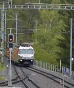 albulabahn-unesco-weltkulturerbe/347575/einfahrt-des-re-von-st-moritz Einfahrt des RE von St. Moritz nach Chur in die Station Filisur mit der Ge 4/4 III Fideris am 14.05.2014.