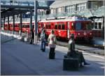 Sonstiges/174554/reisende-warten-auf-den-zugthusis20032009 Reisende warten auf den Zug. (Thusis,20.03.2009)